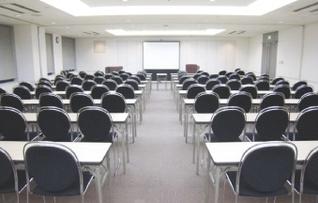 会議室1〜3(3部屋連結利用:スクール型144名)