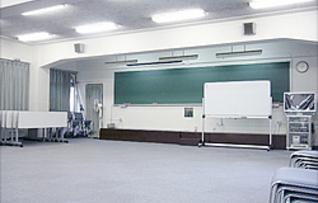 4階教室スペース(84名収容)