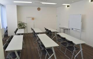 貸し会議室(24名収容)