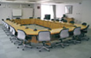 会議室501(~32名)
