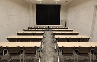 中会議室II-A(~54名)