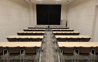 中会議室II-B(~80名)