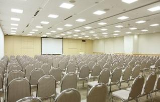 貸し会議室303+304(~272名)