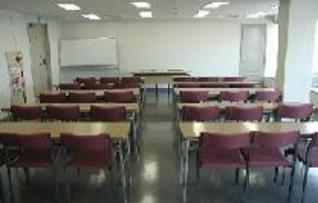 会議室301(~90名)