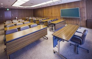 会議室11(~30名)