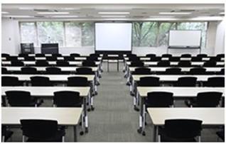 4B会議室(118名収容)