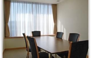 第7会議室(~6名)