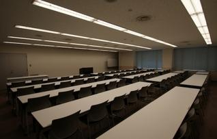 701会議室(~75名)