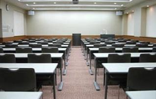 B101会議室(~72名)