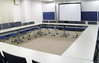 6階会議室(~61名)