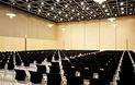 秋葉原コンベンションホールは、コンベンションホールと貸し会議室両方の役割を果たしています。