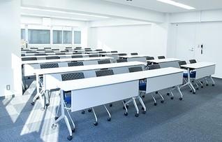 会議室B(~44名)