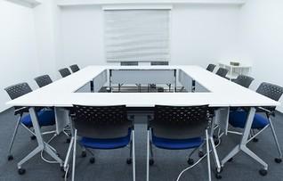 会議室G(~12名)