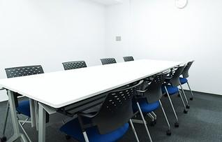 会議室H(~8名)