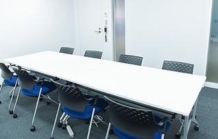 会議室J(~8名)
