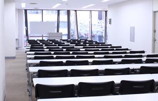 8F会議室(~160名)