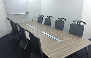 貸し会議室S207(~8名)