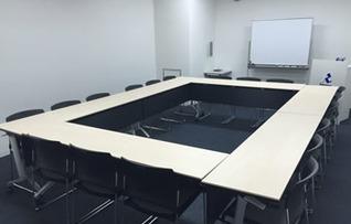 貸し会議室S208(~30名)