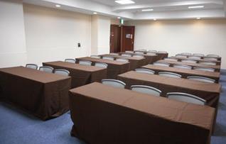 おすすめの貸し会議室!新東京ビル貸し会議室B
