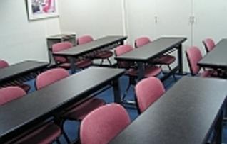 会議室A(~12名)