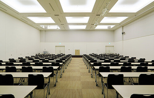 会議室501(~340名)