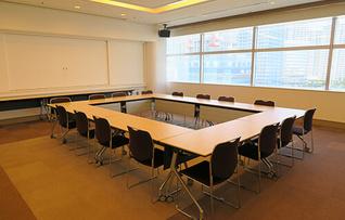会議室511+512(~121名)