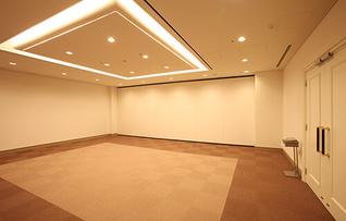 会議室412(~72名)