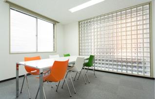 貸し会議室(6名部屋)