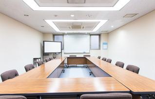 5階中会議室(最大30名収容)