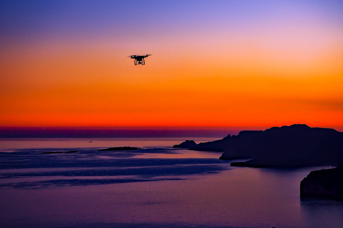 楽天×西友|横須賀・猿島を訪れる一般利用者へのドローン商用配送サービスを今夏提供開始