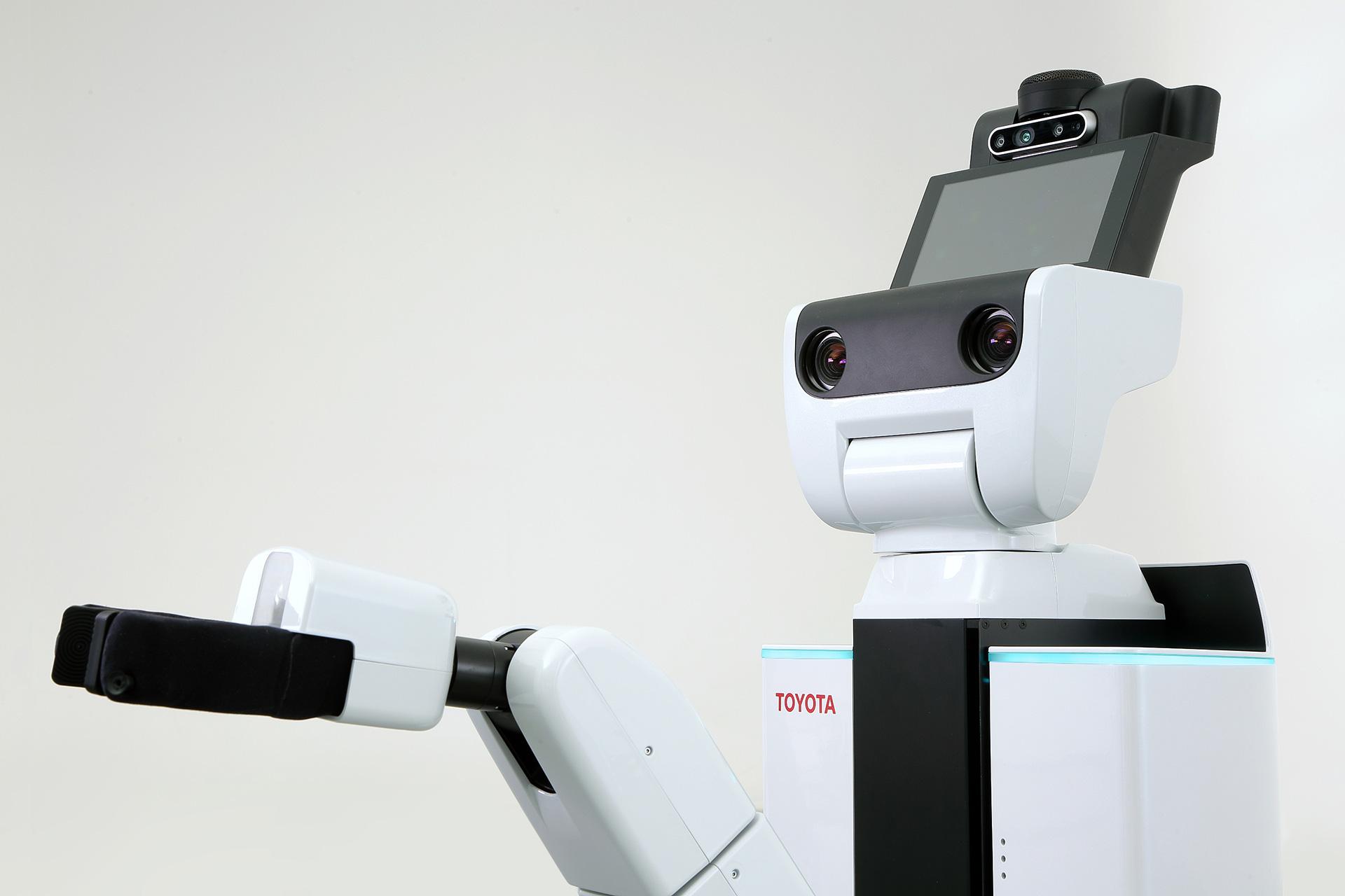 トヨタ自動車×Preferred Networks | 市場のニーズに応えるサービスロボットの共同開発を開始