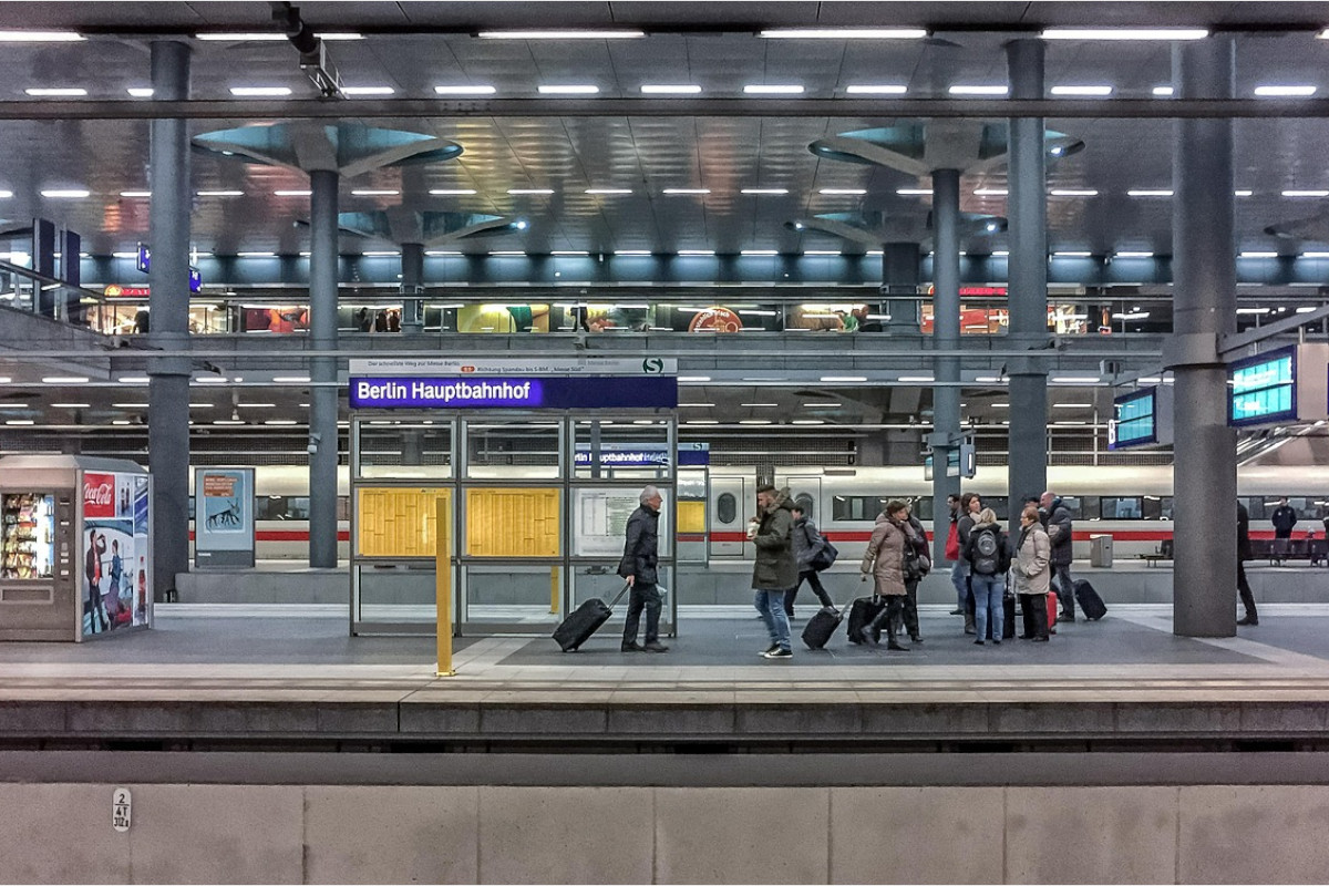 富士通×名古屋市|地下鉄駅構内の混雑状況を、IoTで可視化する実証実験に着手―混雑緩和や利便性向上を目指す