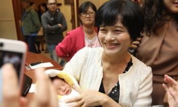 台灣最高齡!62歲婦66分自然產下第二胎