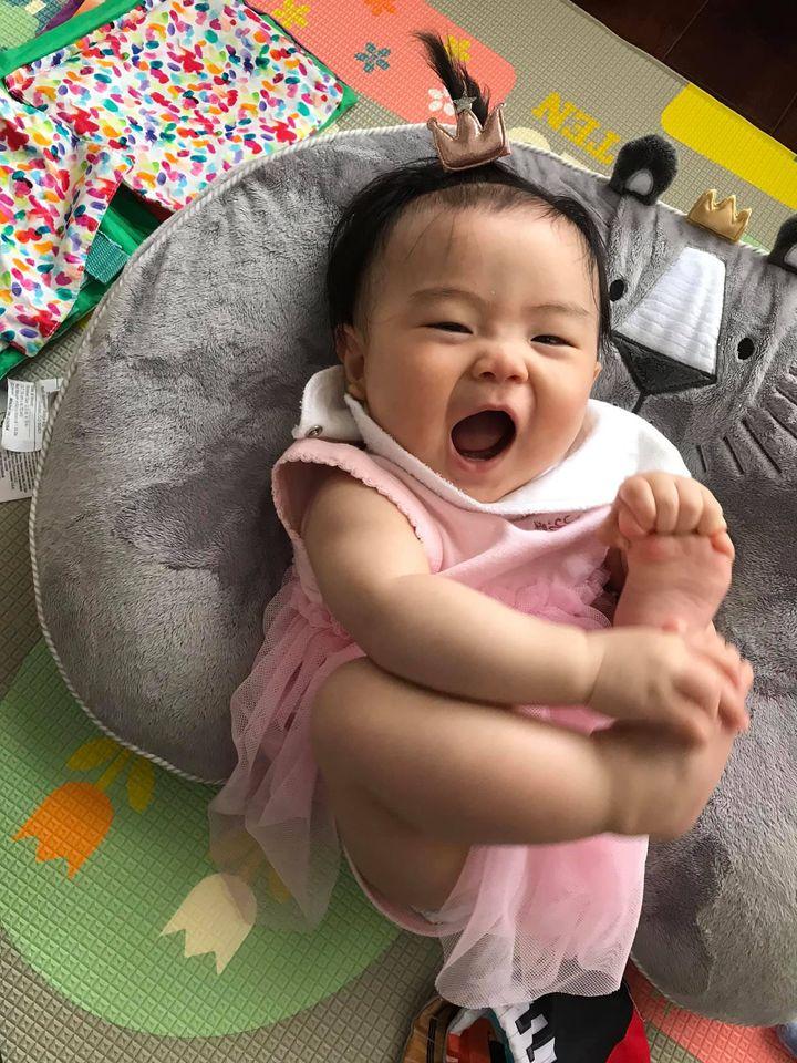 開心的寶寶