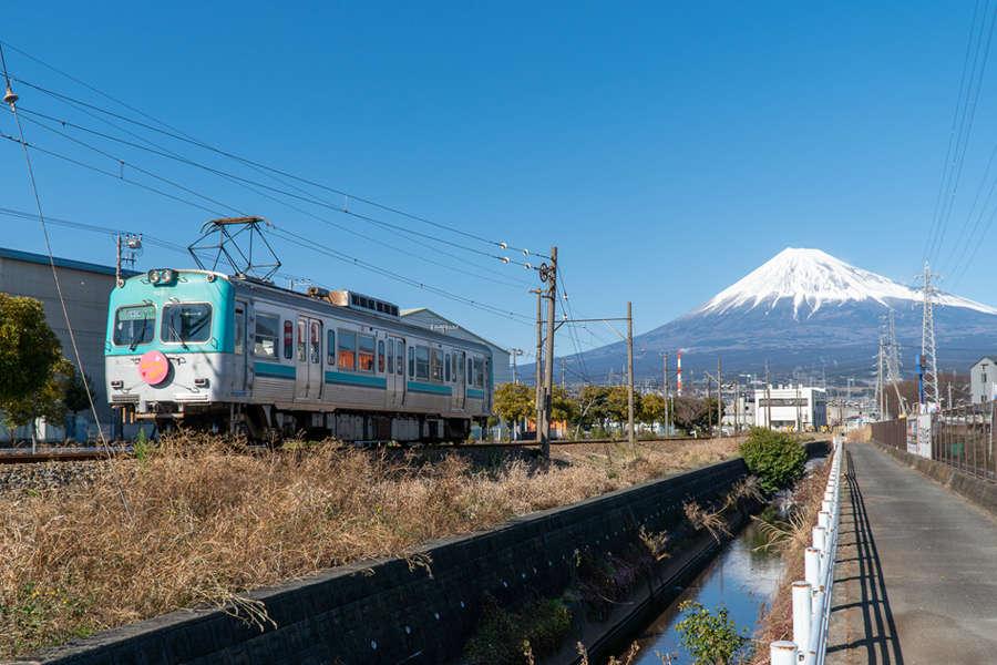 岳南電車、富士市、富士山