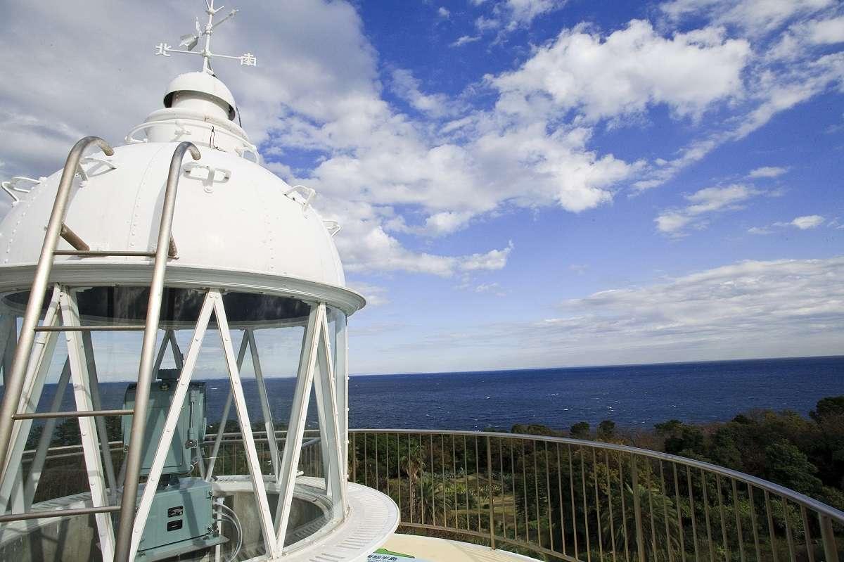 初島灯台、熱海