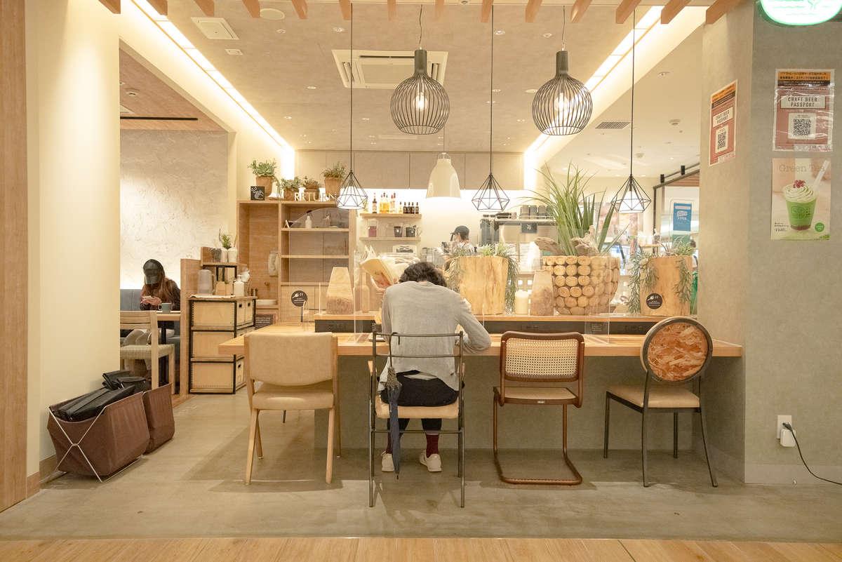 CAFE 山と海と太陽の店内画像