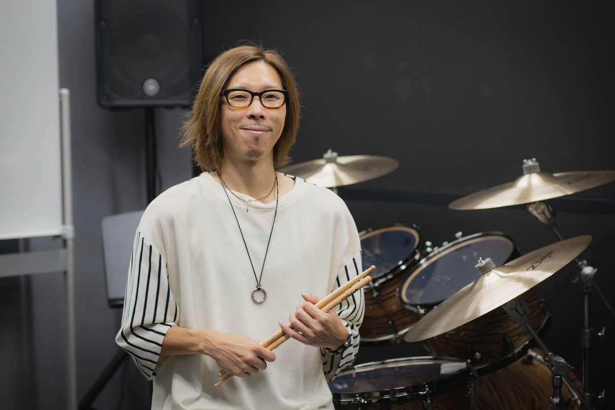ヤマハ「大人の音楽教室」プレ葉ウォーク浜北店のドラム講師・竹内健祐さん