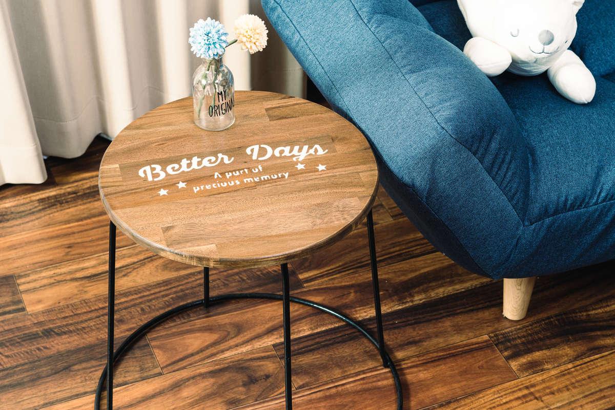 プランタースタンドでつくるサイドテーブル。初心者でもかんたんDIY