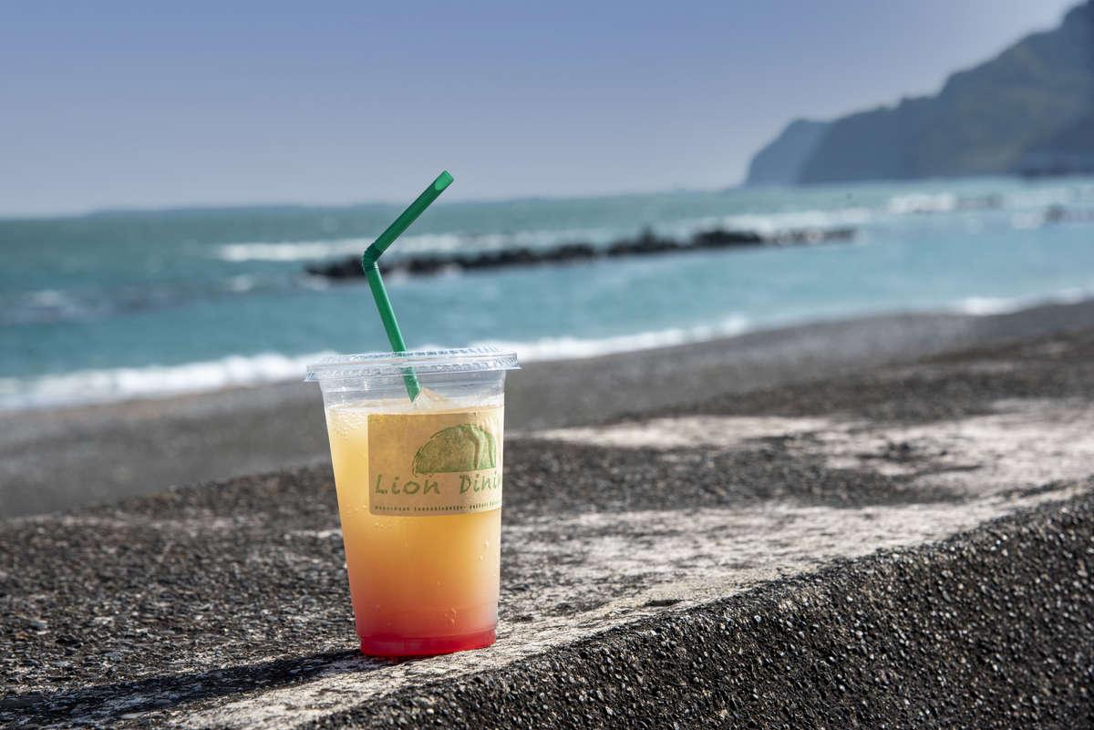【ライオン ダイニング(Lion Dining)】海風を感じながらいただけるダイニングカフェが2021/3/12(金)に用宗にオープン