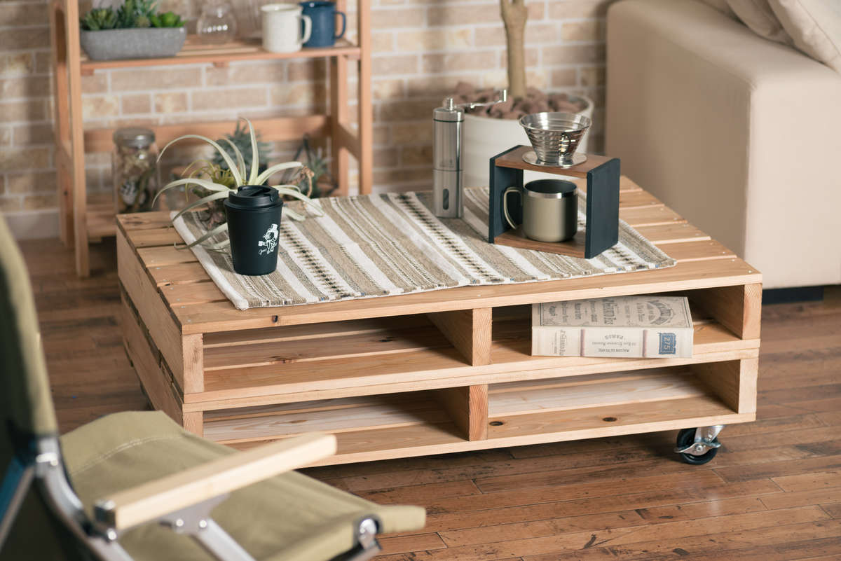 自由に移動できるパレットテーブルの作り方。初心者でもかんたんDIY