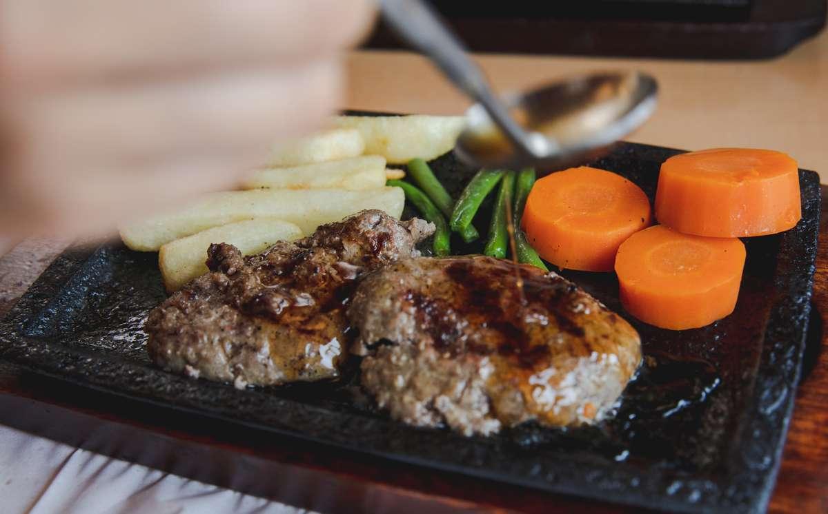 【炭焼きハンバーグパピオット】浜松・佐鳴台の老舗ハンバーグ店をランチ探訪