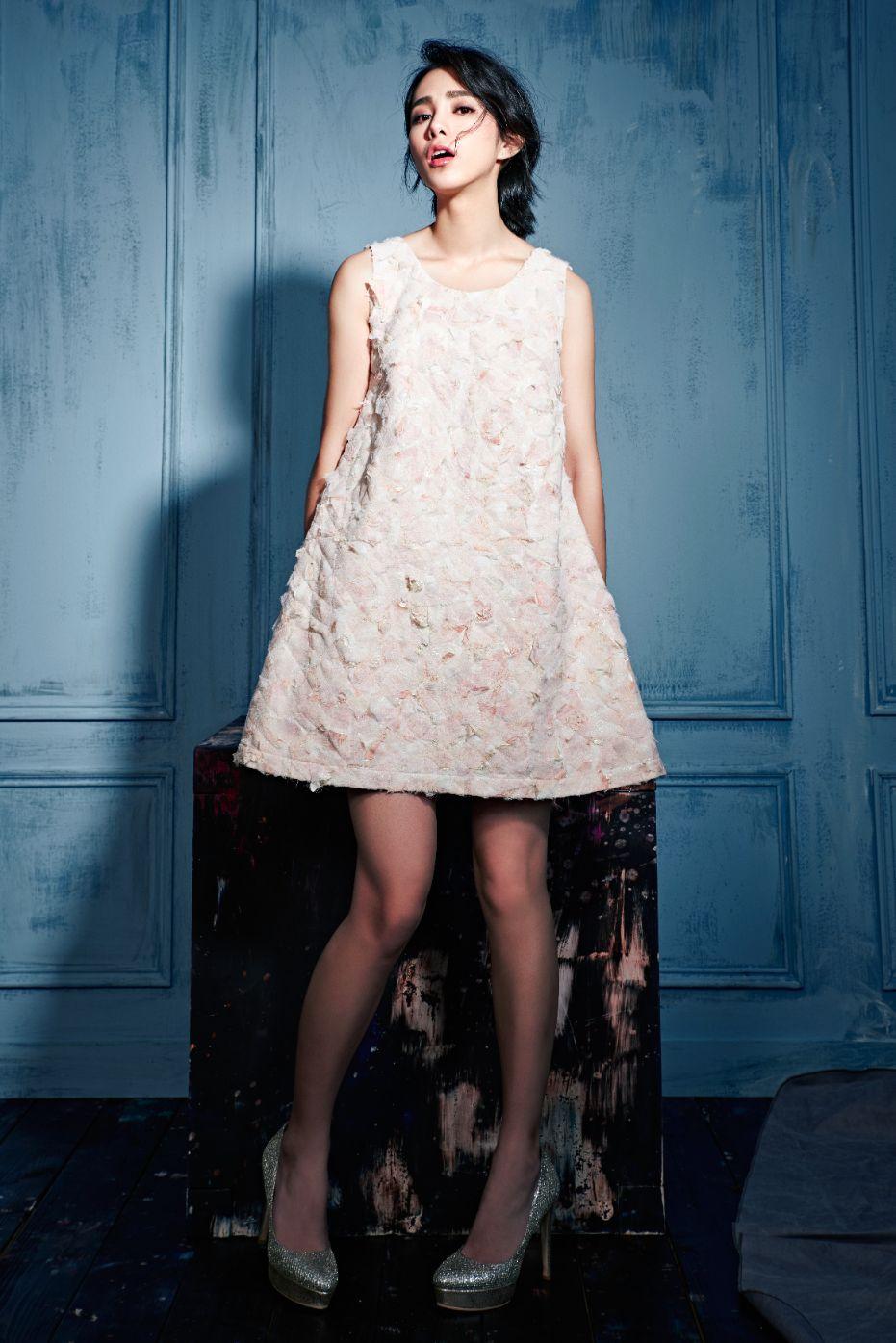 粉金堆繡小洋裝 $73200