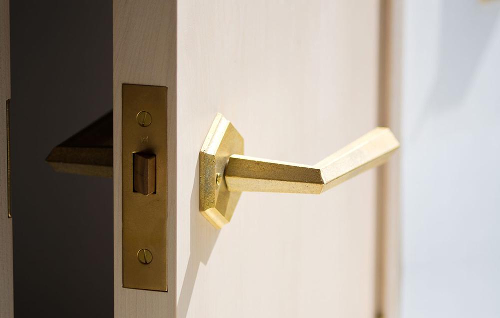 Matureware_Brass_Nalata_A_Closer_Look_Door_Lever_Handle_1