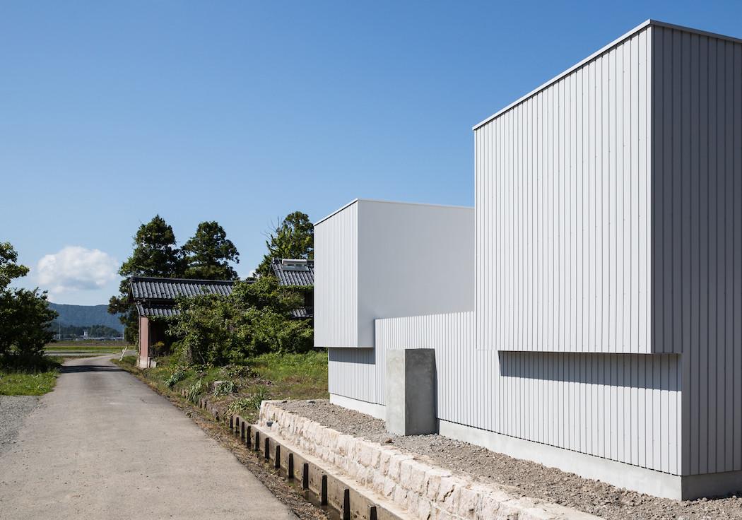 004_Form_Architecture_-1050x736