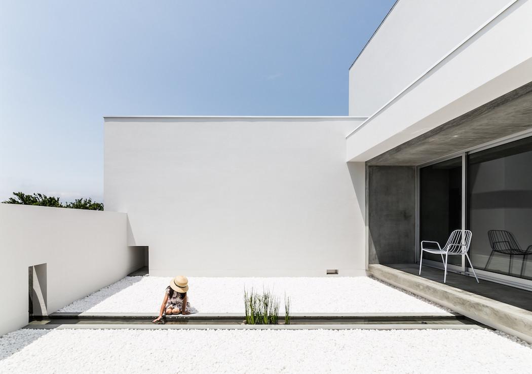 013_Form_Architecture_-1050x738