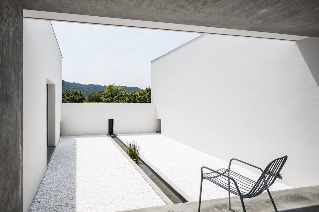 022_Form_Architecture_-1050x700