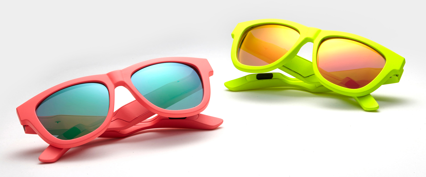 zungle-panther-sunglasses-headphones-designboom-header