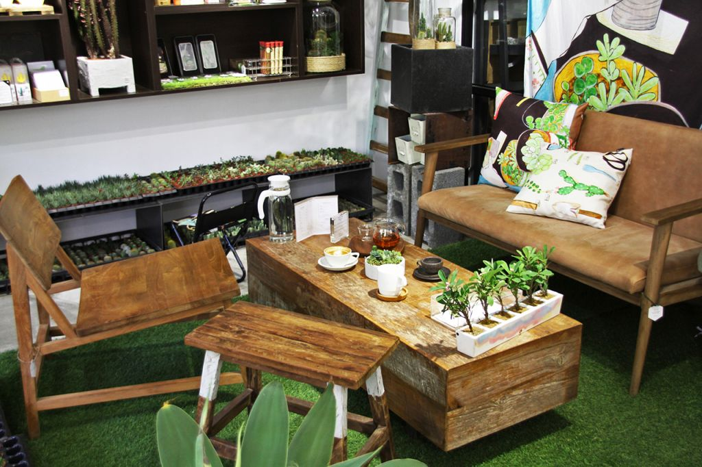 店環境-沙發