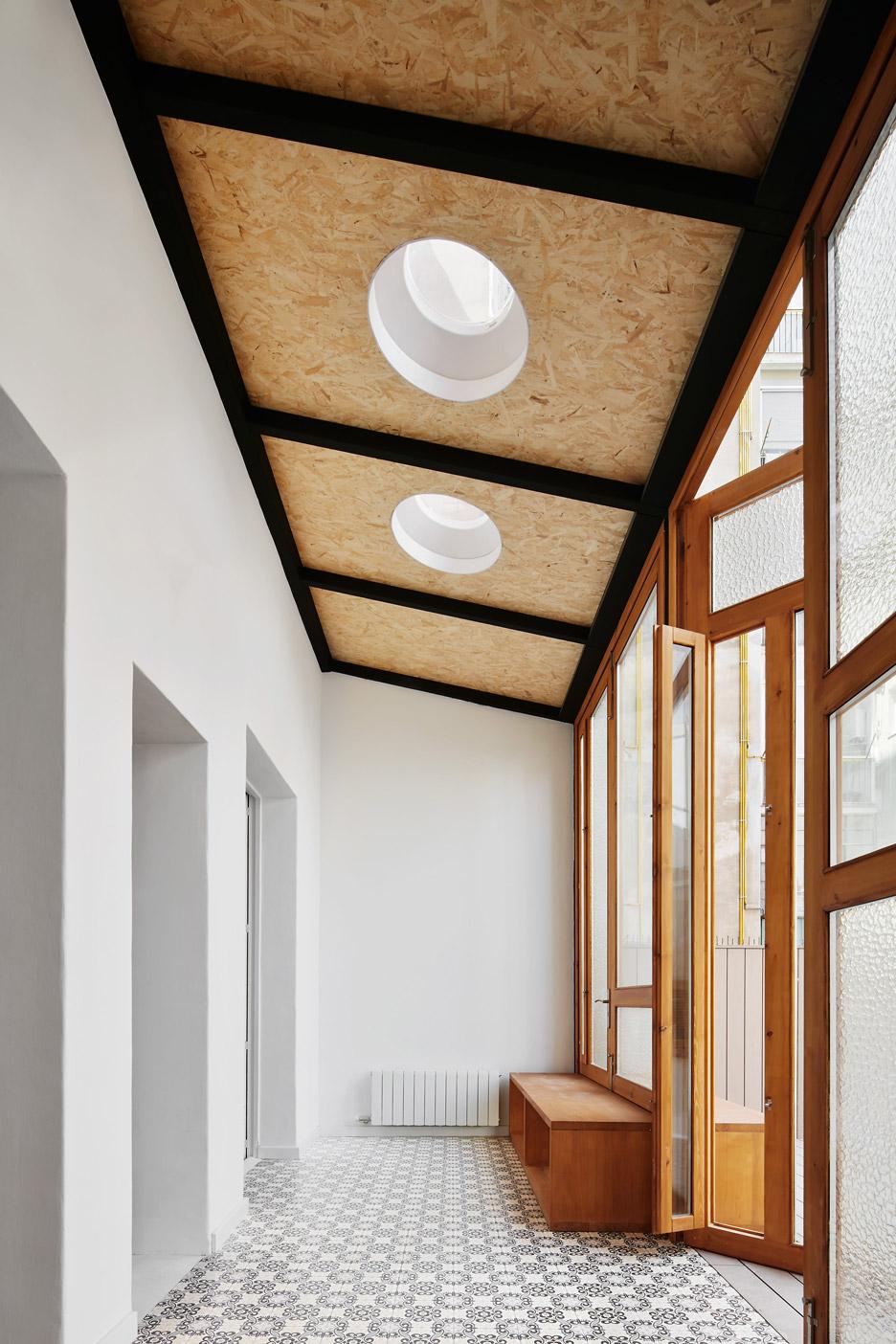Tamarit-Apartment_Ras-Arquitectura_dezeen_936_18